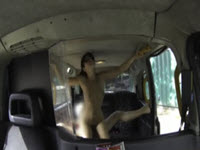 Ava Dalush baise son chauffeur de taxi