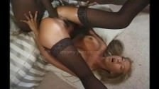 Sexe interracial avec une asiatique blonde